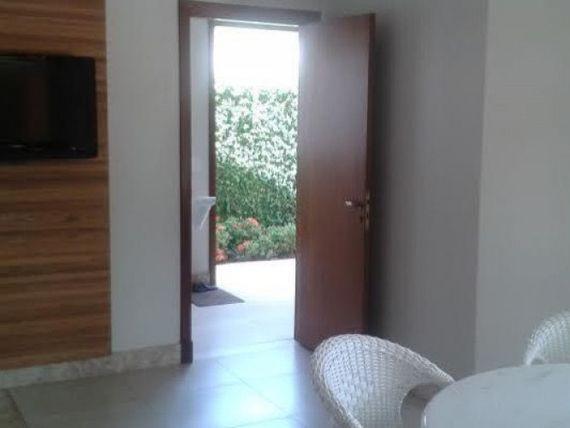 Casa em Jurerê com 4 Suítes e Piscina