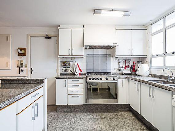 """Cobertura triplex à venda de 400 m² - <span itemprop=""""addressLocality"""">Vila Nova Conceição</span>, São Paulo"""