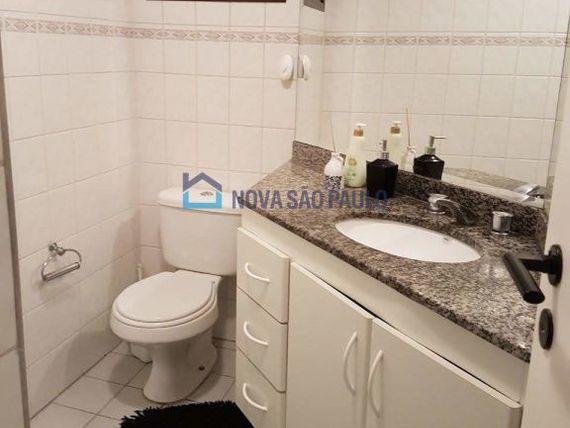 """Apartamento com 2 quartos e Suites na <span itemprop=""""streetAddress"""">R Justo Azambuja</span>, São Paulo, <span itemprop=""""addressLocality"""">Cambuci</span>"""