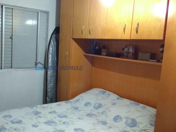 """Casa com 2 quartos e Armario cozinha na <span itemprop=""""streetAddress"""">R Divinópolis</span>, São Paulo, <span itemprop=""""addressLocality"""">Vila Brasilina</span>"""