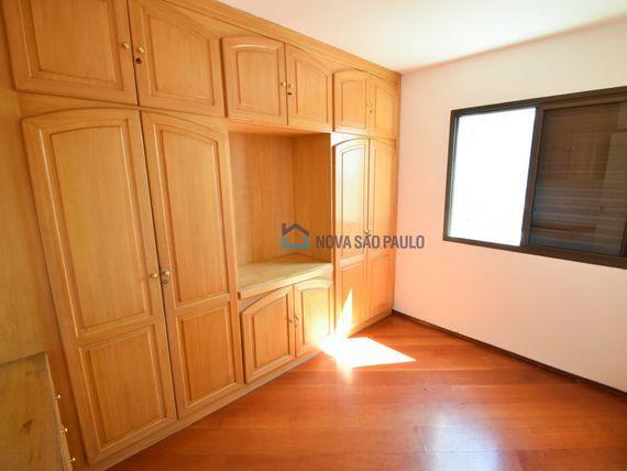 """Apartamento com 2 quartos e 16 Andar na <span itemprop=""""streetAddress"""">Av Ramalho Ortigão</span>, São Paulo, <span itemprop=""""addressLocality"""">Vila Gumercindo</span>"""