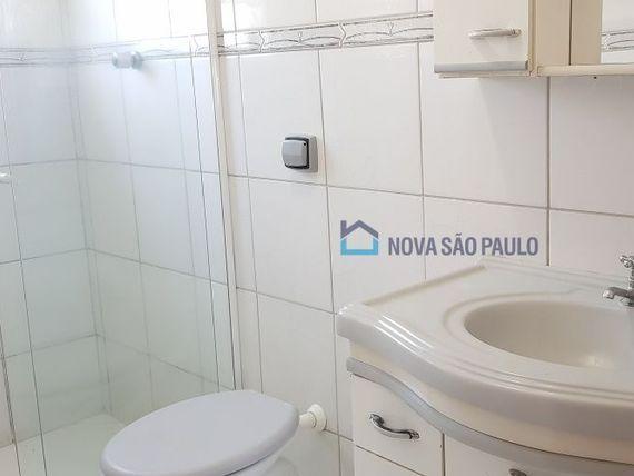 """Casa com 3 quartos e Vagas na <span itemprop=""""streetAddress"""">R Das Oiticicas</span>, São Paulo, <span itemprop=""""addressLocality"""">Vila Parque Jabaquara</span>"""