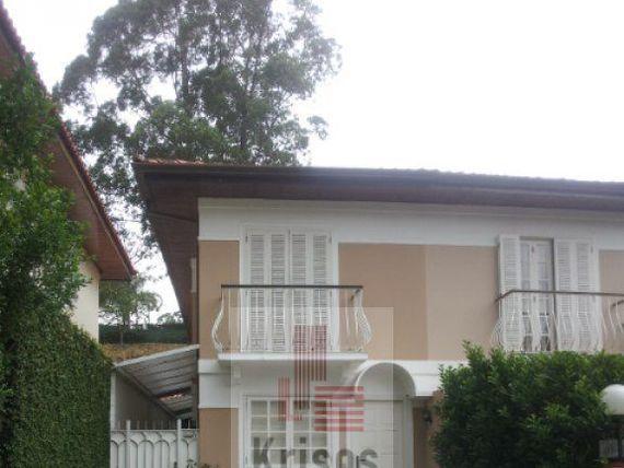Ótima casa em condominio Fechado!