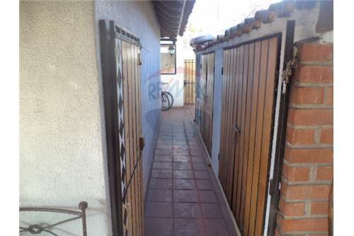 "Casa 220m², Santiago, <span itemprop=""addressLocality"">Lo Barnechea</span>, por <span itemscope="""" itemtype=""http://schema.org/TradeAction""><span itemprop=""price"">UF 17.490</span></span>"