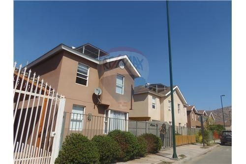"Casa 91m², Santiago, <span itemprop=""addressLocality"">Quilicura</span>, por <span itemscope="""" itemtype=""http://schema.org/TradeAction""><span itemprop=""price"">UF 3.500</span></span>"
