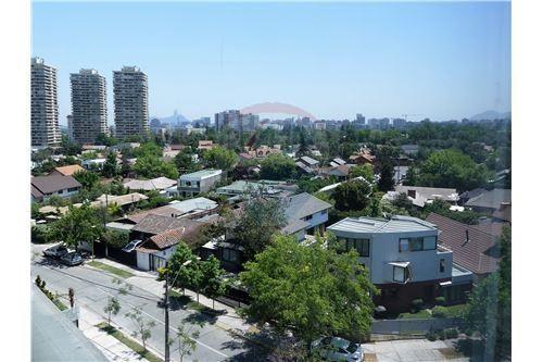 "Oficina, Santiago, <span itemprop=""addressLocality"">Las Condes</span>, por <span itemscope="""" itemtype=""http://schema.org/TradeAction""><span itemprop=""price"">$ 1.403.110</span></span>"