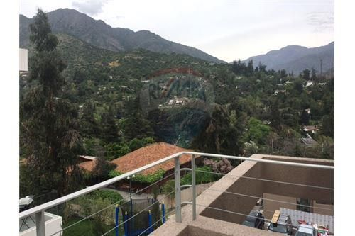 "Casa 140m², Santiago, <span itemprop=""addressLocality"">Lo Barnechea</span>, por <span itemscope="""" itemtype=""http://schema.org/TradeAction""><span itemprop=""price"">UF 13.950</span></span>"