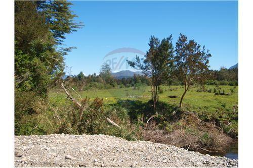 """Terreno 40000m², Región de Los Ríos, <span itemprop=""""addressLocality"""">Los Lagos</span>, por <span itemscope="""""""" itemtype=""""http://schema.org/TradeAction""""><span itemprop=""""price"""">UF 3.400</span></span>"""