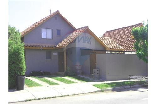 "Casa 120m², Chacabuco, <span itemprop=""addressLocality"">Colina</span>, por <span itemscope="""" itemtype=""http://schema.org/TradeAction""><span itemprop=""price"">$ 730.000</span></span>"