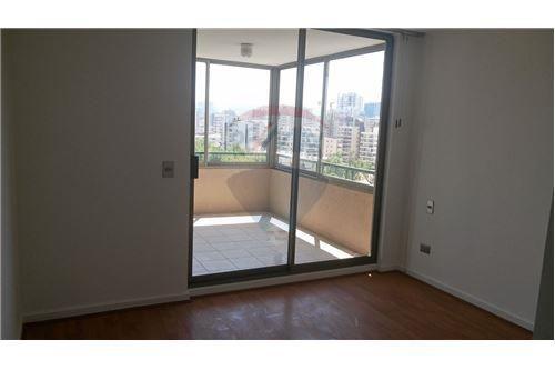 """Departamento 105m², Región de Valparaiso, <span itemprop=""""addressLocality"""">Valparaíso</span>, por <span itemscope="""""""" itemtype=""""http://schema.org/TradeAction""""><span itemprop=""""price"""">$ 550.000</span></span>"""
