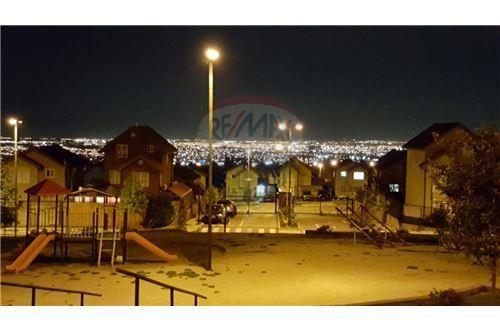 "Casa 100m², Cordillera, <span itemprop=""addressLocality"">Puente Alto</span>, por <span itemscope="""" itemtype=""http://schema.org/TradeAction""><span itemprop=""price"">$ 128.000.000</span></span>"