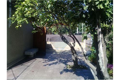 "Casa 104m², Santiago, <span itemprop=""addressLocality"">Macul</span>, por <span itemscope="""" itemtype=""http://schema.org/TradeAction""><span itemprop=""price"">$ 245.000.000</span></span>"