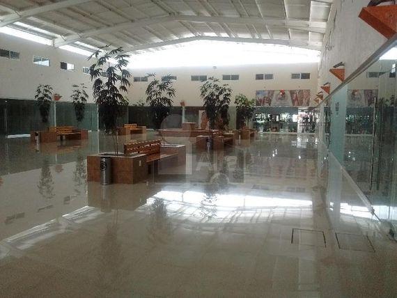Renta de Locales 50m2 dentro de plaza comercial, Metepec,
