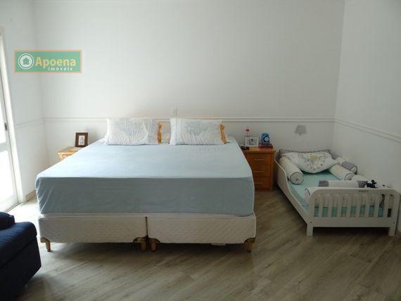 "Casa com 4 quartos e Piscina, São Paulo, <span itemprop=""addressLocality"">Barueri</span>, por <span itemscope="""" itemtype=""http://schema.org/TradeAction""><span itemprop=""price"">R$ 6.500.000</span></span>"