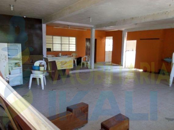 Local comercial en venta tuxpan ver frente al río 1060 m², La Rivera