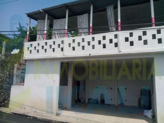 Casa venta tuxpan ver 2 pisos 3 recamaras col. E zapata, Emiliano Zapata