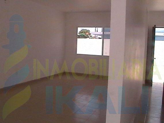 "Casa venta tuxpan de rodriguez cano en <span itemprop=""streetAddress"">Av. Cuauhtemoc</span>, Enrique Rodriguez Cano"