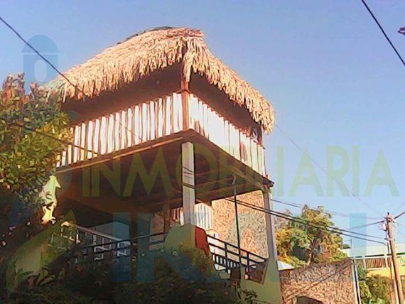 """Venta casa centro Tuxpan <span itemprop=""""addressLocality"""">Veracruz</span> 5 habitaciones 3 pisos, <span itemprop=""""streetAddress"""">Tuxpan De Rodriguez Cano Centro</span>"""
