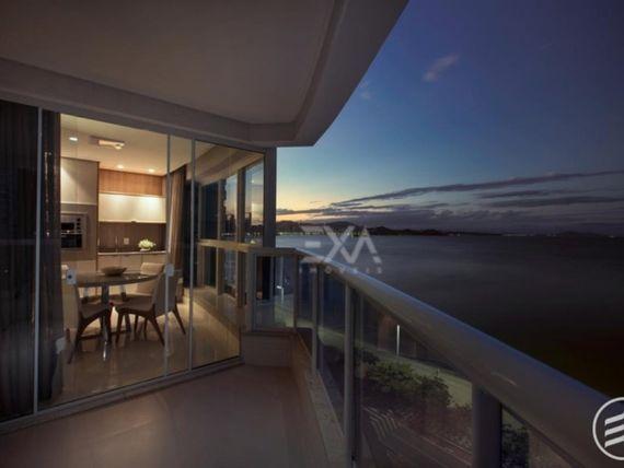 Apartamento frente mar a venda na Barra Sul