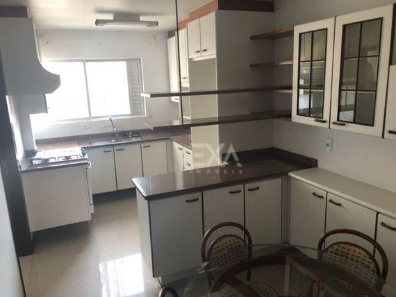 "Apartamento 3 dormitórios, sendo uma suíte, <span itemprop=""addressLocality""><span itemprop=""streetAddress"">Centro</span></span> de Balneário Camboriú"