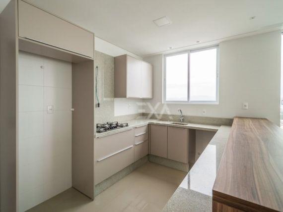 """Apartamento 3 suítes 2 vagas <span itemprop=""""addressLocality""""><span itemprop=""""streetAddress"""">Centro</span></span> de Balneário Camboriú"""