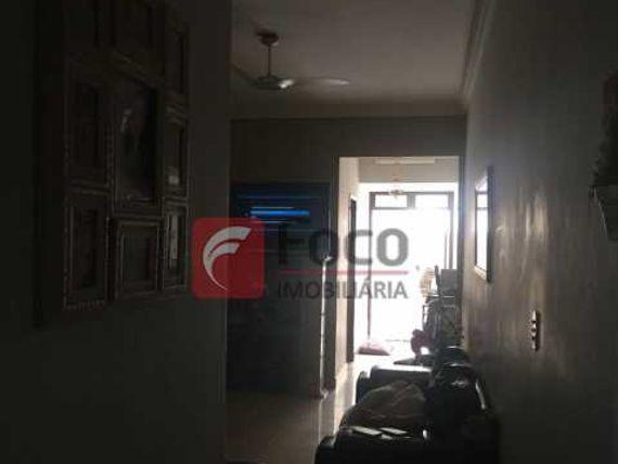 OPORTUNIDADE - PRÓXIMO METRÔ - SALA 02 QUARTOS COM 02 ÁREAS EXTERNAS