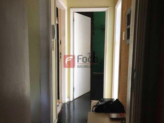 Amplo sala 02 quartos com vaga de garagem