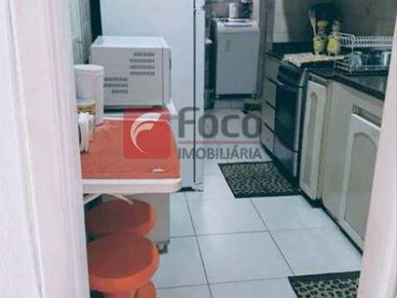 IMPERDÍVEL - ÓTIMO SALÃO EM 2AMBIENTES COM 3 QUARTO REVERTIDO TOTALMENTE REFORMADO