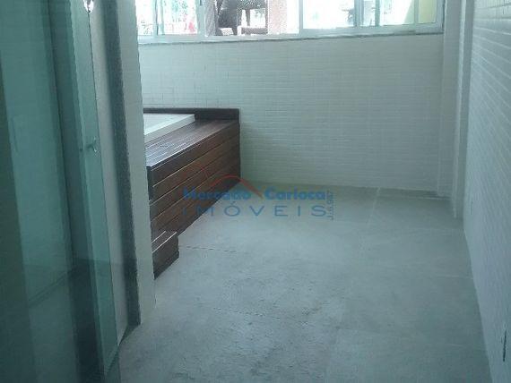 Apartamento na Freguesia  com dois quartos suite e varanda