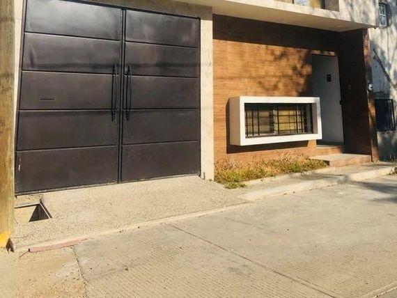 "Casa en venta en <span itemprop=""addressLocality"">San Sebastián Tutla</span>"