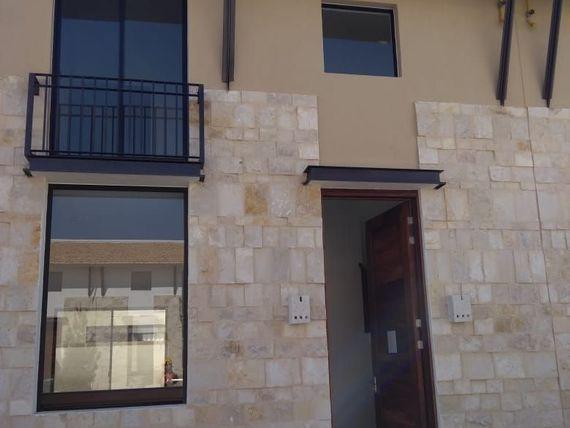 Casa en Renta en Hacienda Valbuena