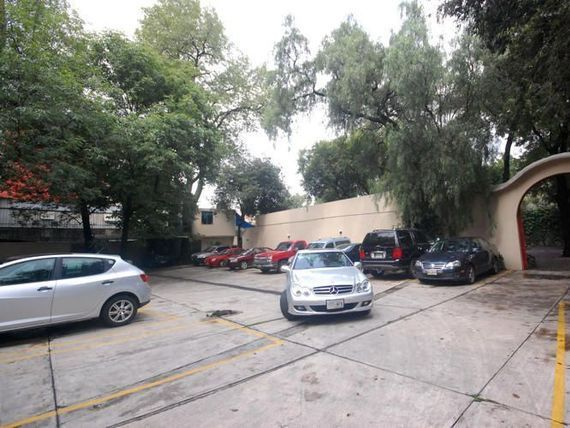 "Amplia y Bonita Oficina en <span itemprop=""streetAddress"">Av Universidad</span>"