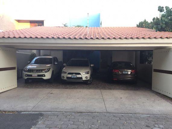 """Casa en Villas de <span itemprop=""""addressLocality"""">Irapuato</span>"""