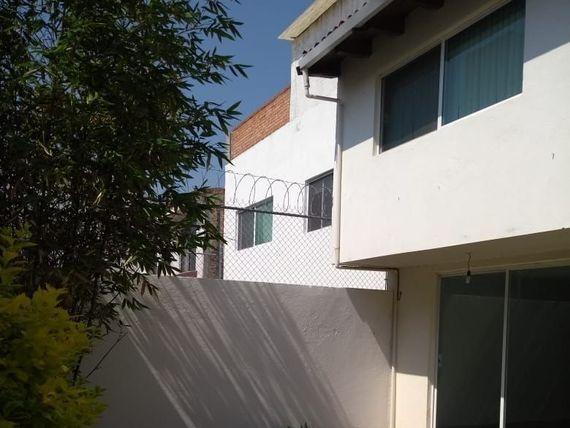 Grande y cómoda casa en Renta Milenio III