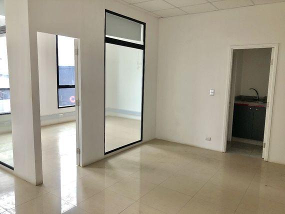 Oficina de 50 m2, con vista al mar, Reñaca Norte.