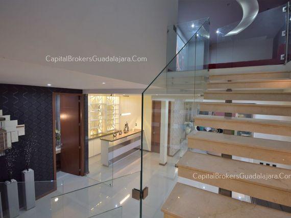 Casa de Moderna en Venta en Villa Verona