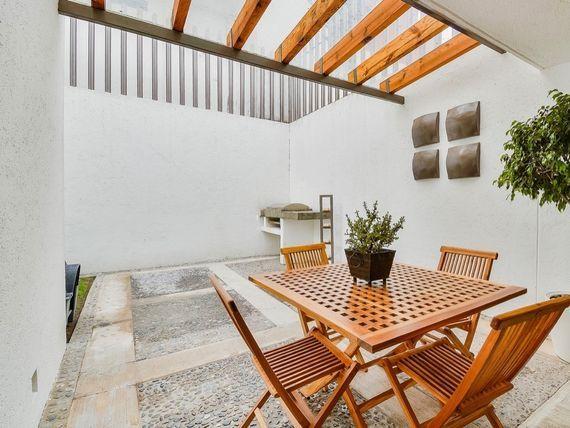 """Casa en Privada en <span itemprop=""""addressLocality"""">Hacienda de las Palmas</span>"""