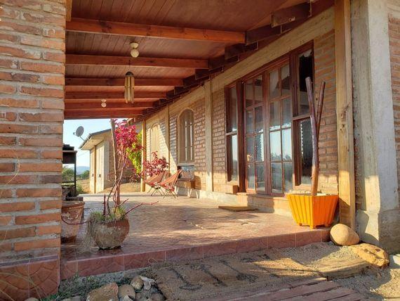 Venta. Maravillosa casa en parcela en Valle Alegre