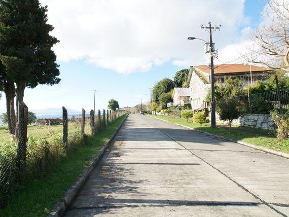 "Terreno con casa en <span itemprop=""addressLocality"">Lago Ranco</span>"