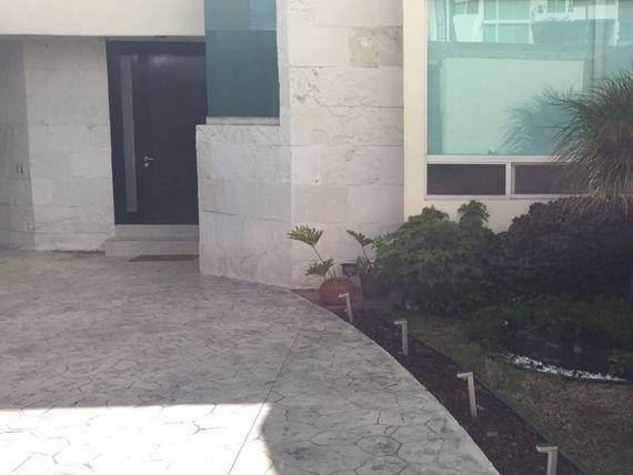 """Casa en <span itemprop=""""addressLocality"""">Lomas de Gran Jardín</span>"""