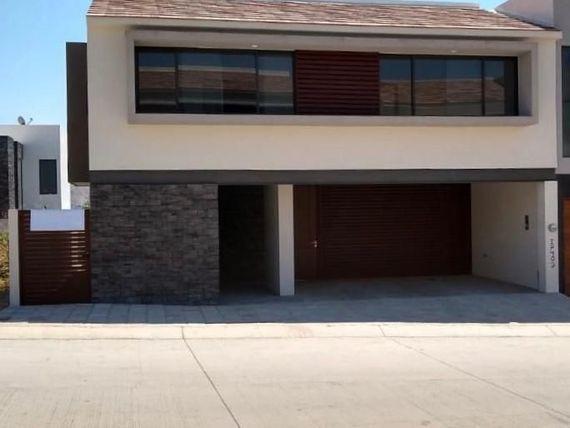 Casa en Lomas del Molino II