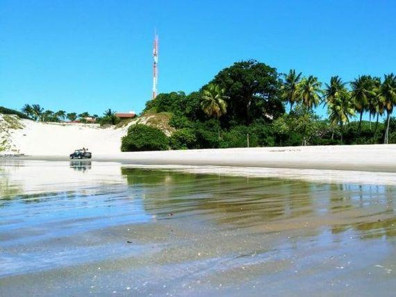 "Terreno entre rio e mar a venda em <span itemprop=""streetAddress"">Porto Mirim</span>"