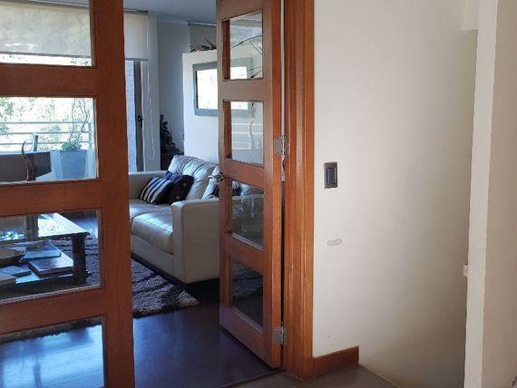 """Preciosa casa con gran vista en exclusivo condominio, <span itemprop=""""addressLocality"""">La Dehesa</span>."""