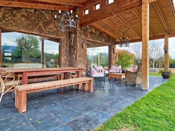 Piedra Roja, Casa en Condominio con salida directa a Av. del Valle