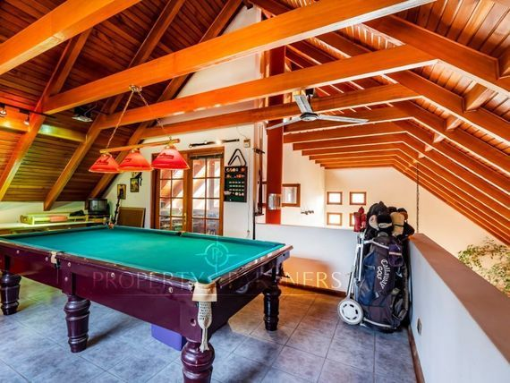 """Linda casa con vista a cancha de golf  <span itemprop=""""streetAddress"""">Condominio Las Araucarias</span> en Linderos"""