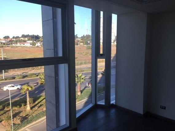Oficina Nueva con Excelente Conectividad