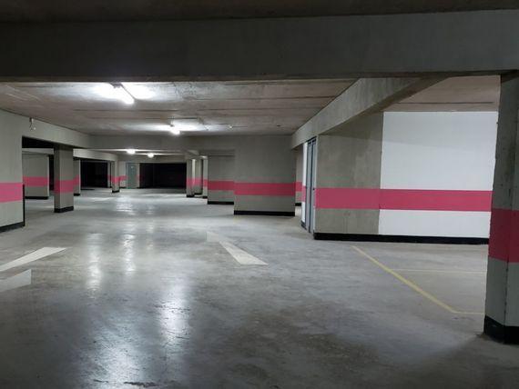 """Arriendo Estacionamientos en <span itemprop=""""addressLocality"""">Providencia</span>, Edificio Lyon Parking"""
