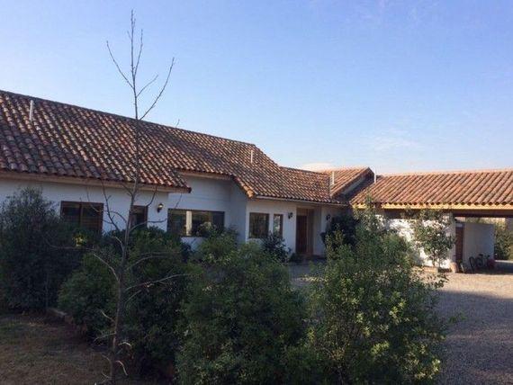 Linda casa en sector Los Ingeleses de Chicureo