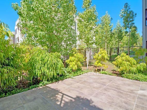 Espectacular departamento con jardín  Santa María