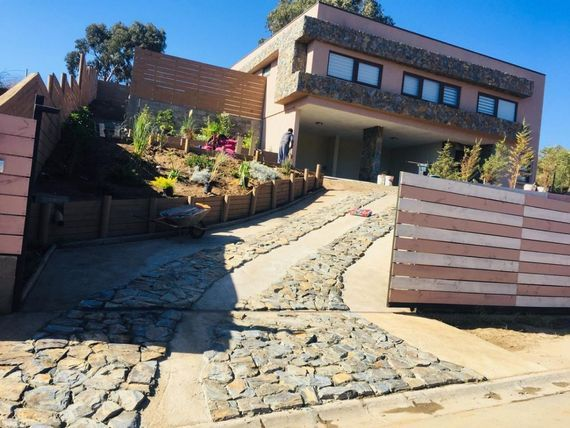 Moderna y Amplia Casa en Mantagua